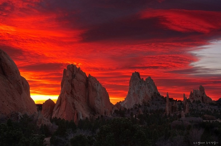Spectacular sunrise gods park colorado